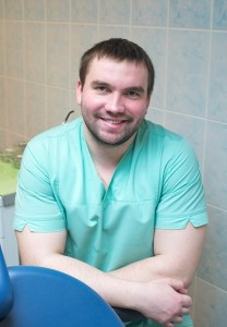 Лялякичев Антон Юрьевич - стоматолог-универсал